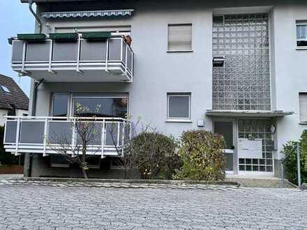 Stilvolle, gepflegte 3-Zimmer-EG-Wohnung mit 2 Balkonen und Einbauküche in Berkersheim