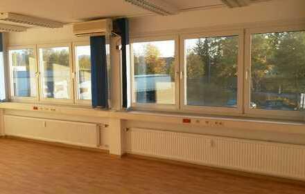 Seminarraum 36 qm u. Büro 18 qm im 1. OG zu vermieten