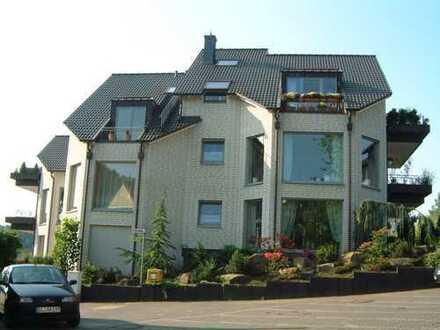 Exklusiv ausgestattete Dachmaisonettewohnung im schönen Ortsteil Osenau