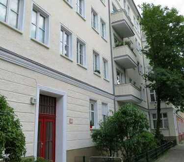 Dachgeschoss - ruhige Straße - nahe Boxhagener Platz