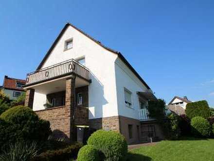 Ein- / Zweifamilienhaus mit Nebengebäude und herrlicher Fernsicht