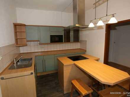Helle, freundliche 2-Zi. Wohnung mit LAMINAT, EINBAUKÜCHE im Zentrum von Kirchberg zu vermieten!