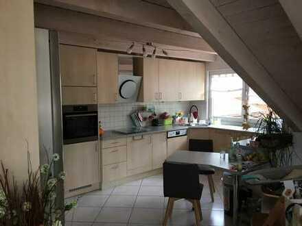 Gepflegte 4-Zimmer-DG-Wohnung mit Balkon in Schwarzwald-Baar-Kreis
