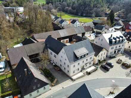 Mehrgenerationenhaus - Fremdenzimmer - Ferienwohnungen - diverse Nebengebäude