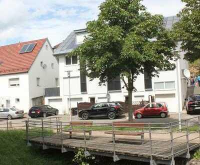 Sehr schöne,moderne vier Zimmer Maisonette - Wohnung in Esslingen (Kreis), Neuhausen auf den Fildern