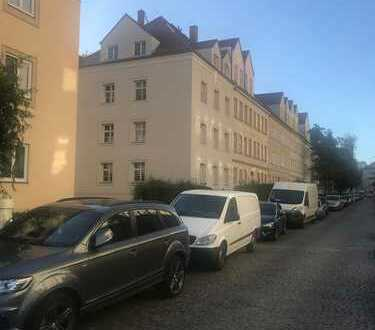 TOP! Lichtdurchflutete 2 Zimmer-Wohnung mit Parkett am Karl-Heine-Kanal
