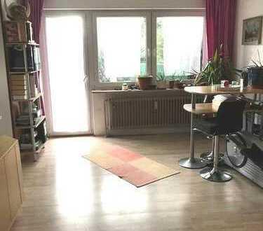 Brück Immobilien - Erbbaurecht - Vermietete 1 Zi.-ETW mit S/W-Terrasse + sep. Küche
