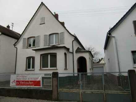 In begehrter Lage von Dreieichenhain: Schönes Grundstück 577 m² mit Einfamilienhaus & Garage