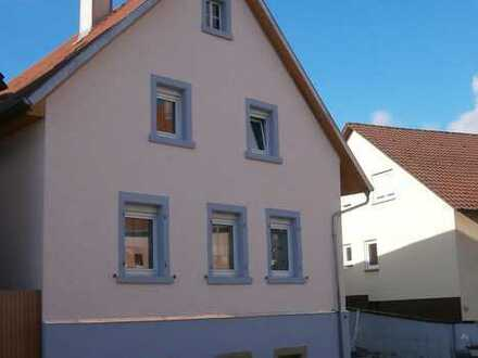 Haus mit Garten, Keller, Einfahrt/Hof, Anbau, Stall, ex. - Scheune bzw. Lagerraum (trocken).