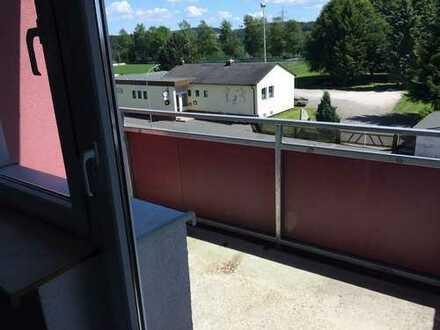 3 Zimmer Wohnung - Balkon, neue Fenster, WDVS -