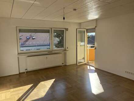 Renovierte 2,5 Zimmer im Kreuzgrund II, EBK, Balkon, SP, Keller