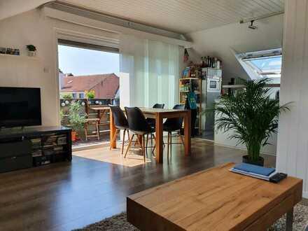 Helle 2-Raum-DG-Wohnung ab 01.09.21