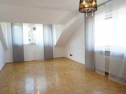 Helle und gemütliche 2-Zimmer Single-Dachgeschoss-Wohnung in Dreieichenhain