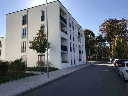 Schöne, Helle 3 Zimmer Wohnung mit Loggia