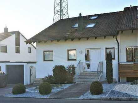 Provisionsfrei - modernisierte Doppelhaushälfte mit Einliegerwohnung in Sindelfingen / Hinterweil