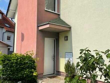 Exklusive, gepflegte 3-Zimmer-EG-Wohnung mit Balkon und Einbauküche in Mannheim
