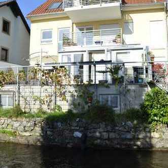 Frei werdende wunderschöne 3 Zimmerwohnung mit Bachblick in zentraler Lage