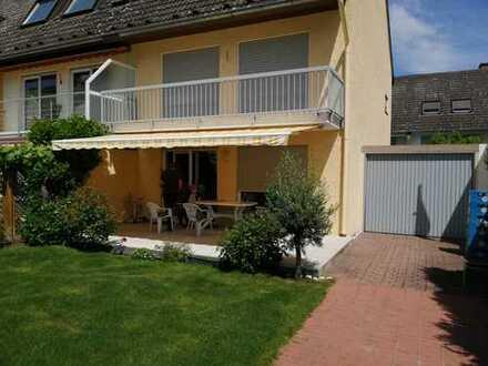 Familienfreundliches,ruhiggelegenes Eckhaus in verkehrberuhtigte Lage nahe Hofheim ohne Fluglärm.