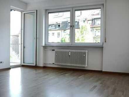 4-Zimmer-Wohnung mit Balkon in Neuostheim zu vermieten