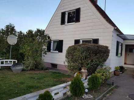 Freistehendes Haus mit großem Grundstück