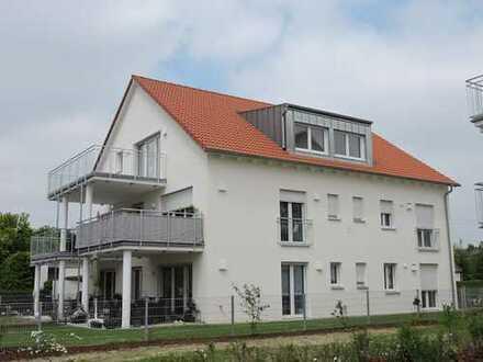 Super 4 ZKB-Wohnung mit großzügigem Balkon im Dachgeschoss eines exklusiven 5 -Familienhauses