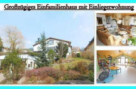 Reserviert...TOP LAGE mit Aussicht und ZENTRAL..helles Einfamilienhaus + ELW