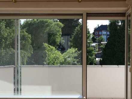 Aachen-Eilendorf: 1. Etage, helle Wohnung mit großem Südbalkon und hochwertiger Einbauküche