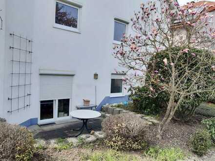 Wunderschöne 2-Zimmer-Wohnung mit eigener Terrasse!