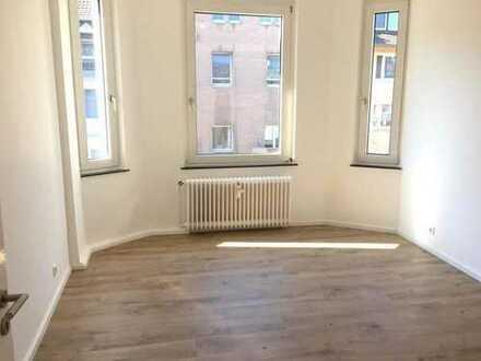 Moderne Wohnung mit Altbau-Charme: 2-Zimmer-Wohnung in zentraler Lage