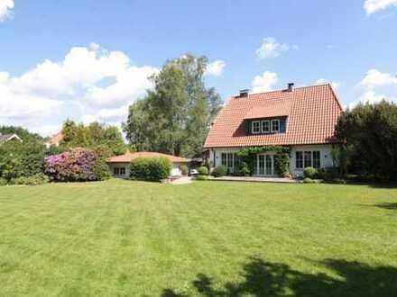 Wunderschönes Einfamilienhaus mit idyllischen Garten in Bremen-Schönebeck