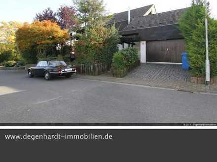 Viel Platz in familienfreundlicher, ruhiger Wohnlage! Repräsentatives Wohnhaus mit Garage!