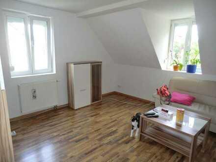 Gemütliche und neu renovierte 2,5 Zimmer Maisonettewohnung in Zell a. H.