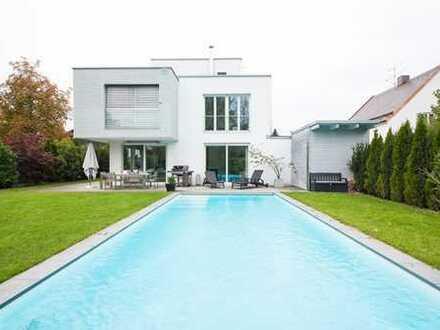 Luxuriöses Einfamilienhaus mit 2 Pools und Einliegerwohnung (optional zu mieten)
