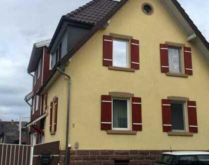 Charmantes rustikales Einfamilienhaus-Doppelhaushälfte mit 5-Zimmer in Remchingen, Enzkreis