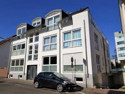 Exklusive, neuwertige 3-Zimmer-Wohnung mit Terrasse !!!