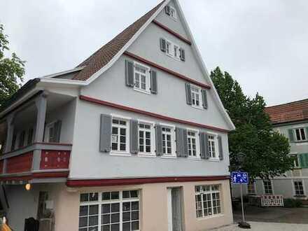 Erstbezug: stilvolle 2,5-Zimmer-DG-Wohnung mit Einbauküche und Balkon in Backnang