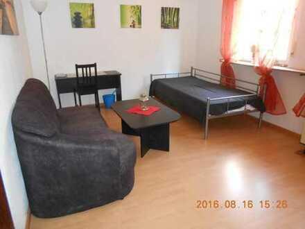 Helles, großes, möbliertes Zimmer mit Gemeinschaftsraum nahe Höchster Klinikum/Main-Taunus-Zentrum/I