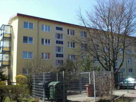 3-Raumwohnung mit Balkon und PKW-Stellplatz