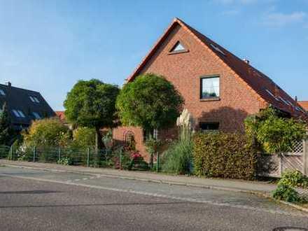 ☆ ☆ ☆ ☆ ☆Hochwertiges Reihenendhaus, Terrasse, Carport, beliebte Wohngegend in Neubrandenburg☆ ☆ ☆ ☆