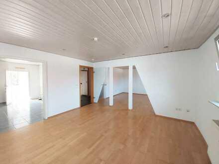 Gerne an Familie mit einem Kind/Pärchen! 4-Zimmer-Maisonettewohnung in KA-Grünwettersbach!