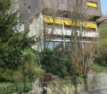 Plochingen: Wohnen und Arbeiten in Aussichtslage, ca. 80 qm Wohnen zzgl. ca. 125 Bürofläche 