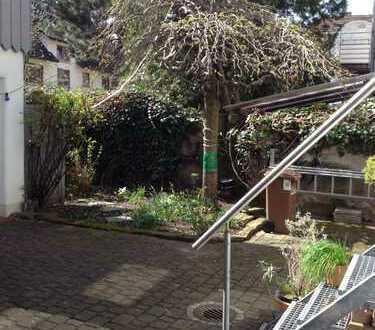 Sehr ruhige 2,5-Zimmer EG-Wohnung, mediterraner Innenhof in HD-Kirchheim