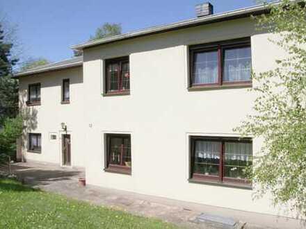 Zweifamilienhaus zur individuellen Nutzung inkl. großem Garten!