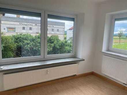 helle 3-Zimmer Erdgeschosswohnung mit Balkon und Garten in guter Lage