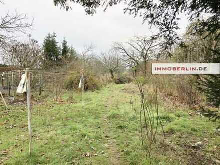 IMMOBERLIN: Attraktives Haus auf imposantem Grundstück in herrlicher Naturlage