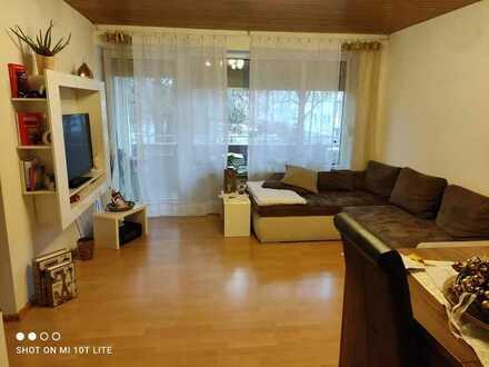 Frei werdend: Helle und große 2-Zimmer Wohnung mit Balkon in Schönaich
