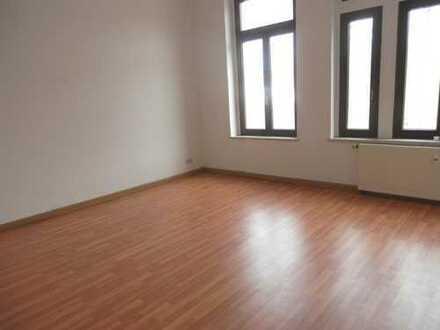 Fast geschenkt ! 2 Zimmer Wohnung in Werdau zu vermieten !