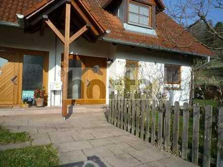 Gemütliche Doppelhaushälfte mit Gartenterrasse in Allensbach-Kaltbrunn