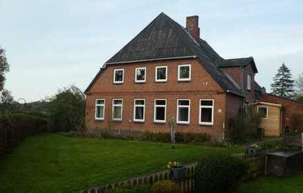Grosszügige 4-Zimmer-EG-Wohnung mit Terrasse im Erdgeschoss eines Bauernhauses in der Nähe von Ahren