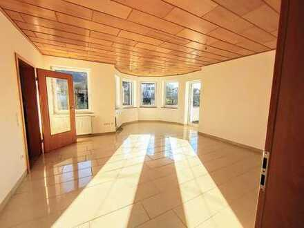 Hochwertige 4 Zimmerwohnung mit Sonnenbalkon in Unterkochen!!